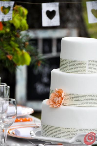 Il fiore di zucchero e le parole stampate: il matrimonio in arancio