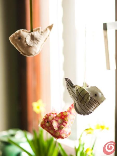 La decorazione di primavera per il posto tavola