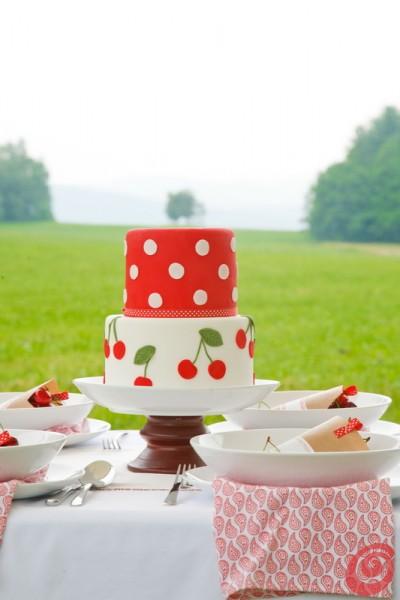 La torta alle ciliegie a due piani