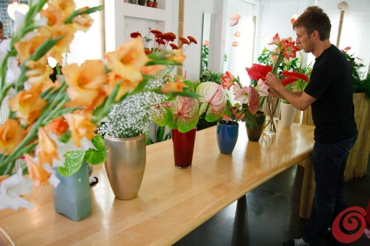 Il fiorista Jakoncic nel suo negozio