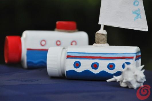 Due barche fermatovaglia fai da te per la tavola decorata estiva