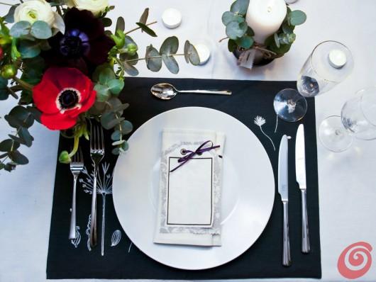 La decorazione tavola fai da te per una cena romantica