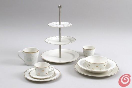 La collezione di porcellane in omaggio al matrimonio reale svedese.