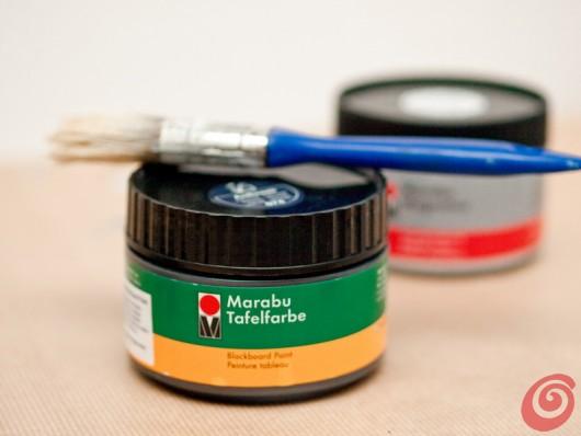 La pittura per lavagne per realizzare la lavagna magnetica nel nostro angolo studio
