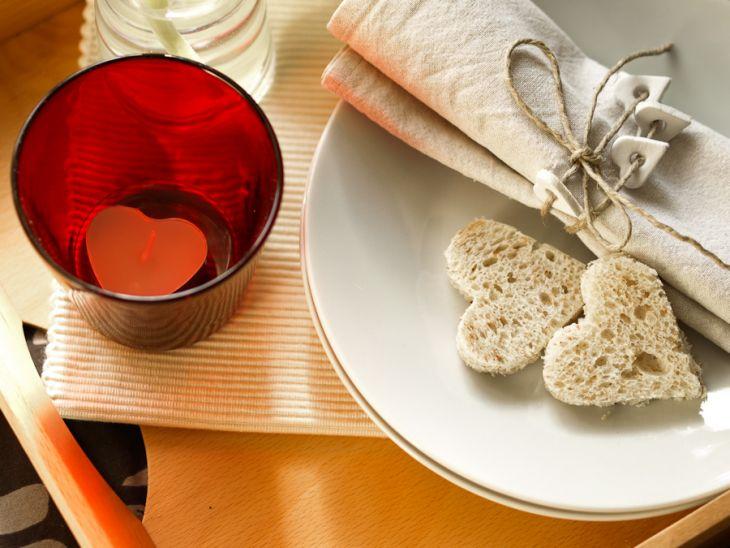 La decorazione fai da te per apparecchiare la colazione tête-à-tête soft