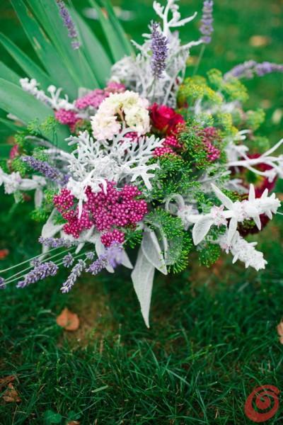 Idee per creare una composizione floreale estiva