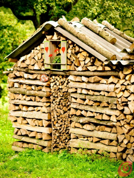 kmečka dekoracija skladovnica drv