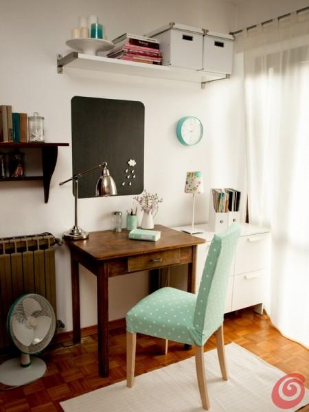 Lo studio in casa, un insieme di oggetti nuovi e vintage