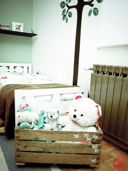 La cassetta in legno vintage di recupero: contenitore per giocattoli