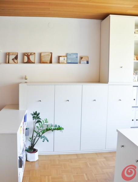 arredare e organizzare uno spazio creativo in casa: un piccolo atelier artistico con tutto a portata di mano