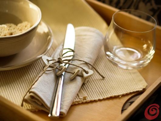 idee semplici per una colazione a letto: apparecchiare e decorare con amore