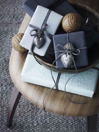 confezioni regalo in blu, regali per uomini, fotografo Anders Schonnemann