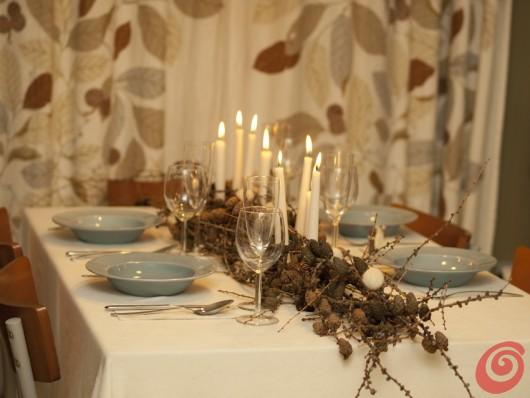 la tavola decorata per il veglione o per il pranzo di Capodanno