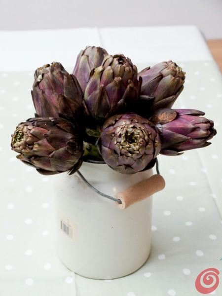 Qualche fiore di carciofo, l'idea giusta e un po' di colore - addobbiamo la casa! Decorare con i carciofi