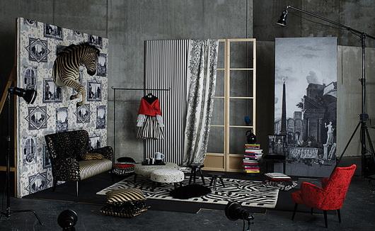 Christian Lacroix, lo stilista della haute couture ha disegnato tappezzerie, tappeti, cuscini e tessili per la casa per Designers Guilde: variopinto, lussuoso e ahimè anche costoso.