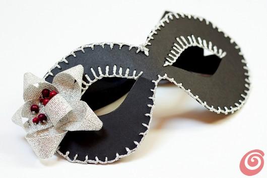 Realizzare la mascherina di Carnevale facile e veloce per adulti e bambini, tutorial per lavoretti