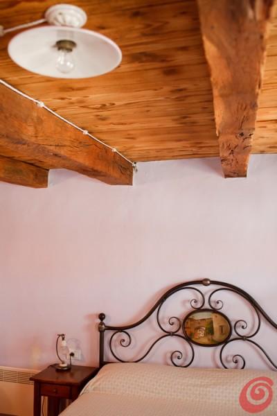 La casa di Marica nel Collio - Due edifici antichi sono stati restaurati nel rispetto delle vecchie strutture e gli ambienti rustici hanno acquistato nuovo fascino e bellezza. Mettendo a disposizione degli incantevoli alloggi in uno dei paesaggi vinicoli più suggestivi.