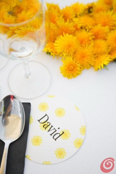 Un matrimonio giallo come la primavera - Per il matrimonio di Eva e Vito l'ispirazione arriva dai prati costellati di fiori gialli di dente di leone. Per una festa dalla tavola davvero raggiante.