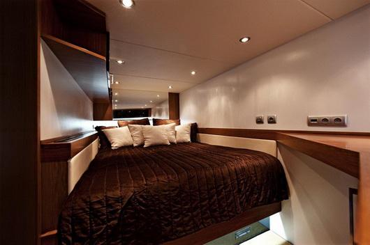Una nave che funge da abitazione - vivere su 240 mq arredati lussuosamente.