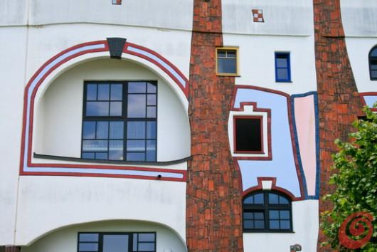 Bad Blumau, barvita mehkoba Hundertwasserjevih toplic