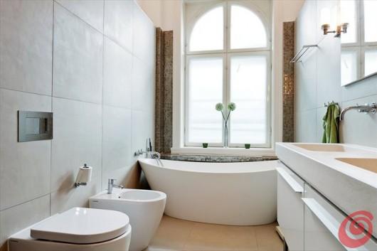 Arredare il bagno con una vasca freestanding casa e trend for Bagno piccolo con vasca