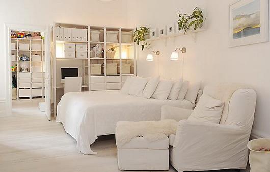 Una casa tutta bianca casa e trend - Ikea mobili camera ...