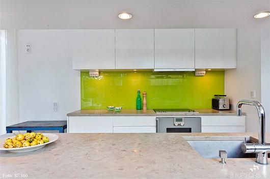 Best Parete Cucina Verde Acido Contemporary - Ideas & Design 2017 ...