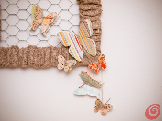 Jesenska dekoracija na vratih - metulji