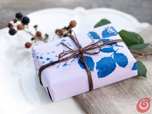 Stampare su tessuto con le piante autunnali - lavoretti autunnali