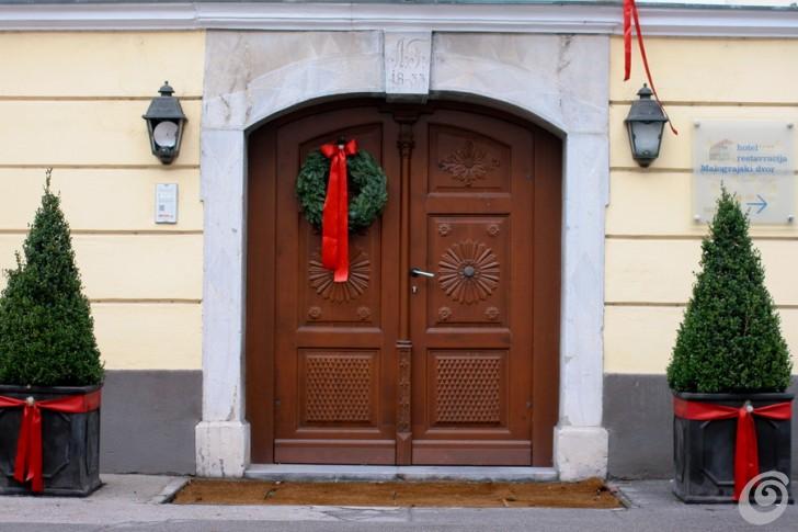 Addobbi natalizi per la porta e gli esterni casa e trend - Addobbi natalizi per la porta ...