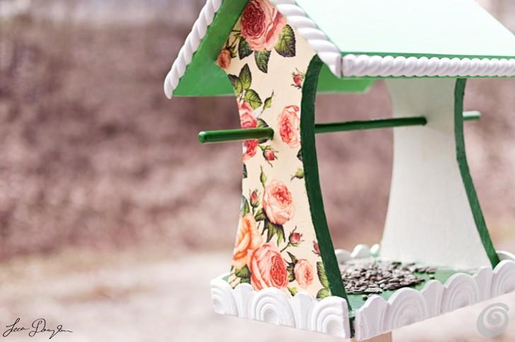 Una romantica casetta per gli uccelli