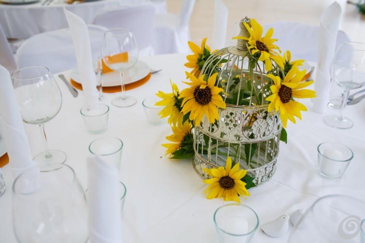 Girasoli Finti Matrimonio : Uccellini e girasoli per un banchetto pieno d allegria