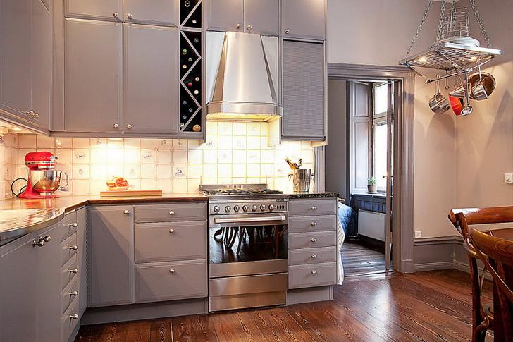 Moderne kuhinje in barve dom in stil for Piastrelle cucina colorate
