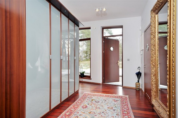 Sala Da Bagno Pianta : Una casa con una pianta irregolare u casa e trend
