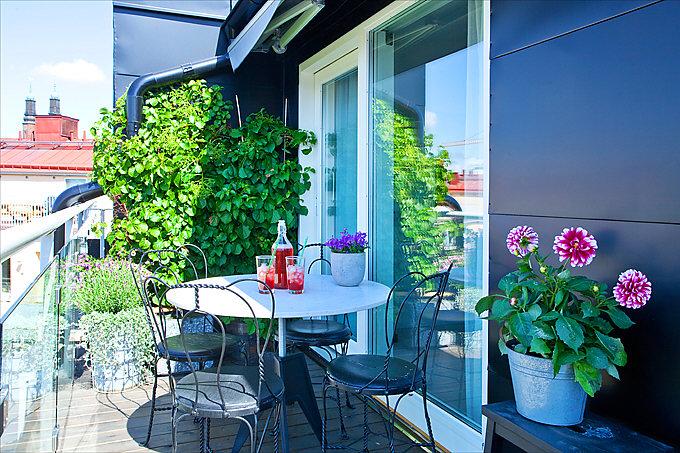 Rinnovare il balcone e il terrazzo con i colori casa e trend for Piante per terrazzi