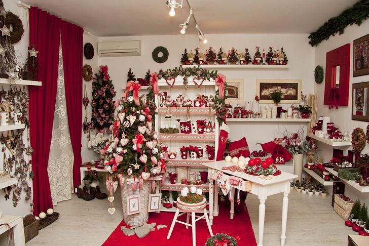 Adventni ven ki iz cvetli arne a d a na op inah dom in stil - Addobbi natalizi per cucina ...