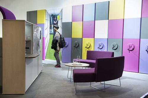 SaloneUfficio 2013, tanti colori per andare oltre la scrivania e la ...