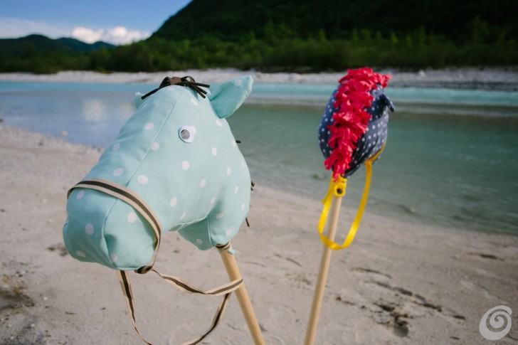 Cucito creativo, i cavallini giocattolo textile play horses diy