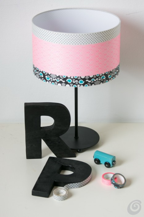 Riciclo, la cucina giocattolo homemade play kitchen from a bedside table washi tape letters