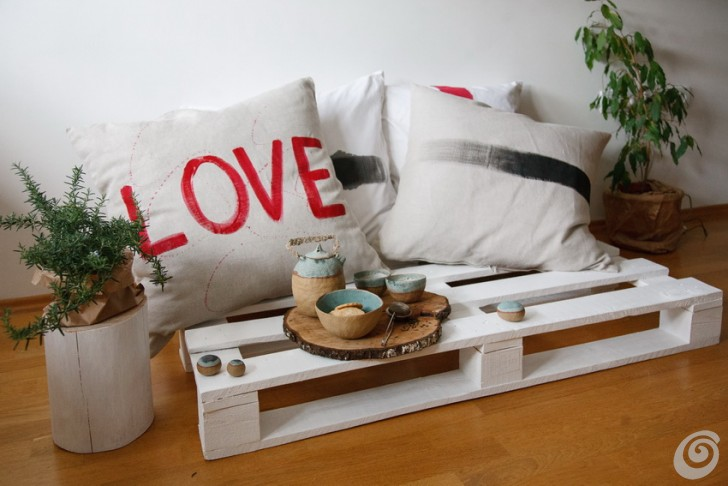 salotto_bancale_fai_da_te_living_room_palette_Upcycle