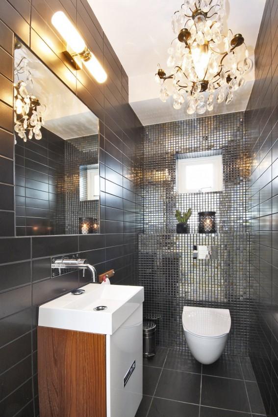 Come arredare un bagno piccolo in modo originale casa e trend - Lampadario da bagno ...