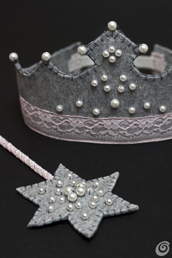 costume_carnevale_principessa_corona_bacchettamagica_tutorial_DIY_feltedcrown