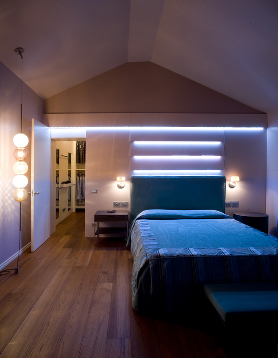 Cabine armadio nella camera da letto casa e trend - Armadio dietro letto matrimoniale ...