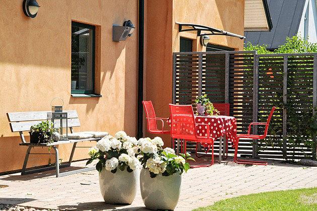Fare ombra con le tende a vela casa e trend for Arredo terrazzo ikea