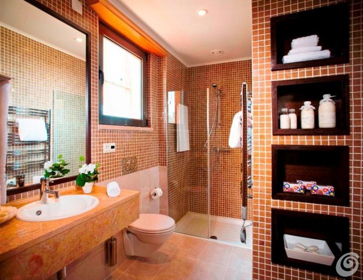 Design attuali e tecnologia tante idee per arredare il bagno casa e trend - Idee per rivestire un bagno ...