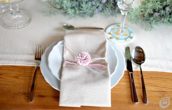 tavola-di-natale-mise-en-place-pastello