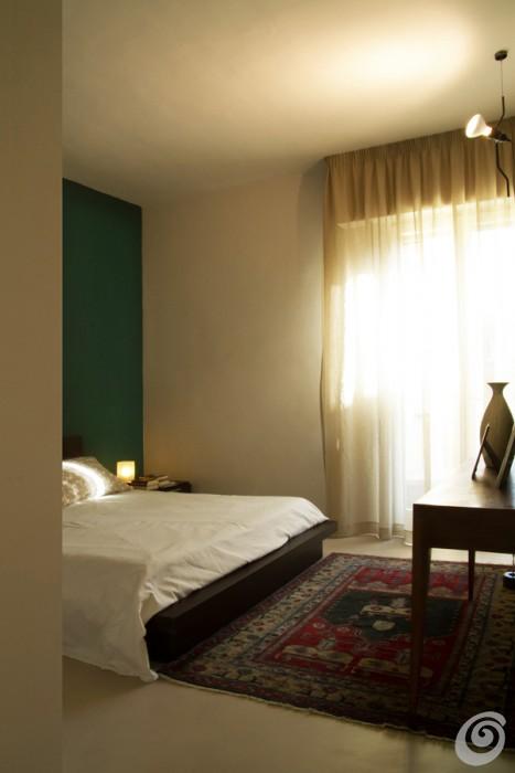 camera-da-letto-parete-verde