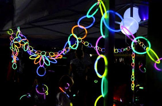 festoni-fluo-decorazioni-braccialetti-luminosi