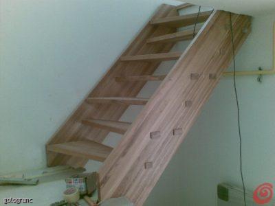 samonosilne mornarske stopnice ,zavzamejo zelo malo prostora