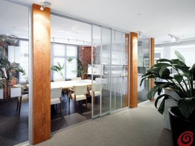Drsna vrata namenjena za poslovne prostore